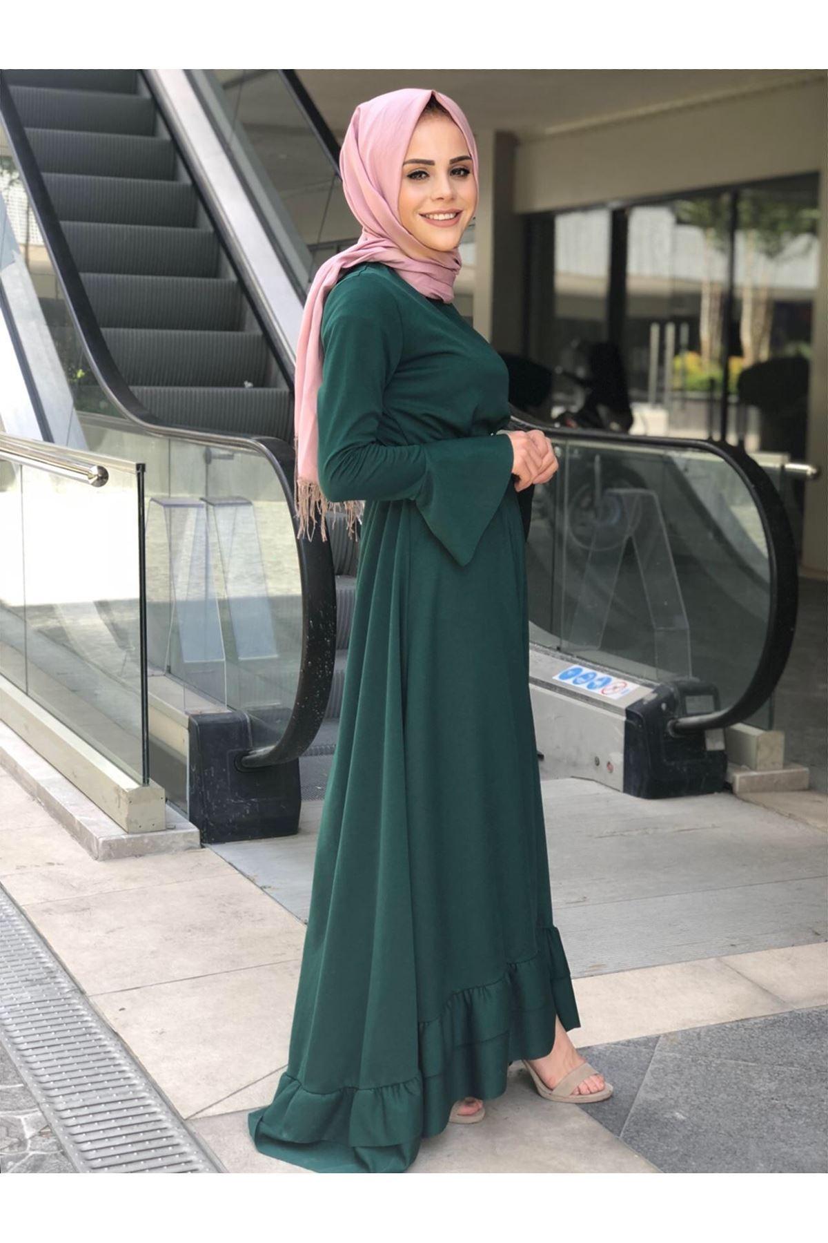 Fırfır Kuyruklu Tesettür  Elbise - Zümrüt