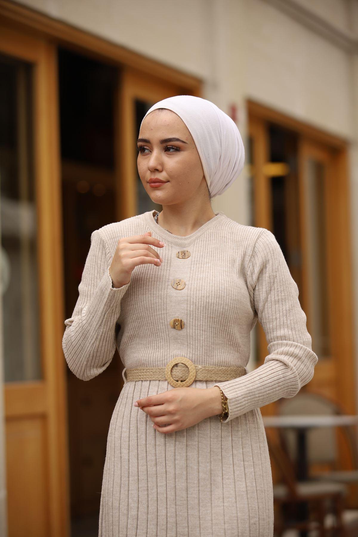 Taş Düğmeli Kemerli Triko Elbise - Taş Rengi