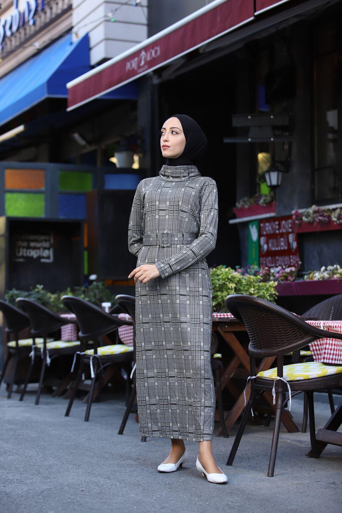 Kare Ekoseli Boğazlı Kemerli Elbise - Haki