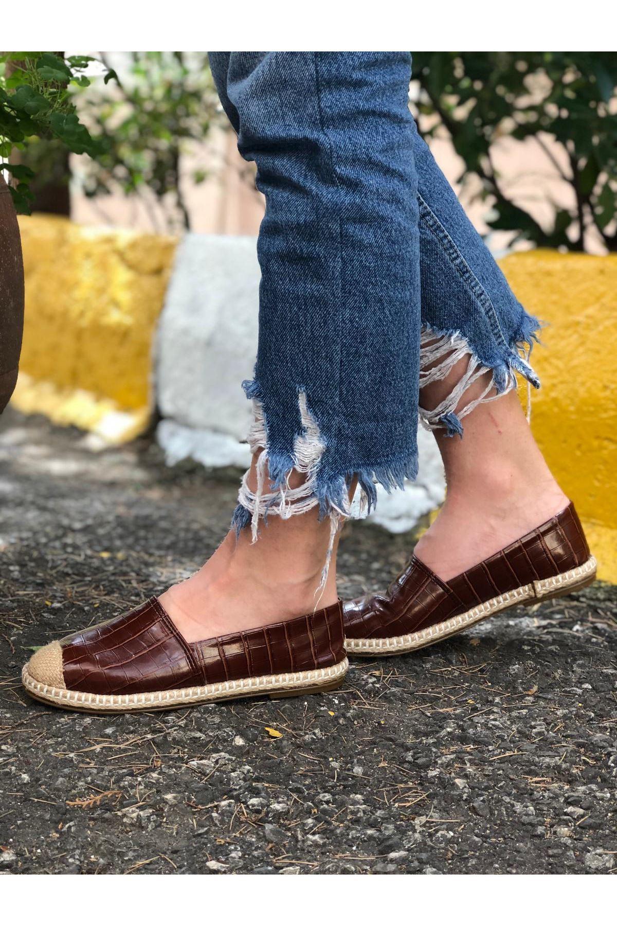 Hasır Detaylı Babet Ayakkabı - Kahverengi