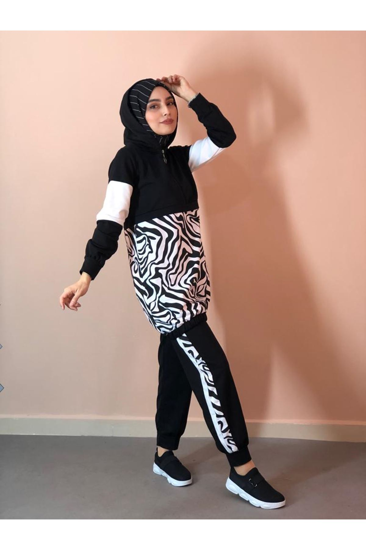 Zebra Desen Eşofman Takımı- Siyah